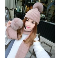 Barato Chapéus Grossos De Cachecol Designer-Designer Fashion Luxo Fur Ball Hat Scarf Dois conjuntos de grande bola de lã Suit Warm Knit Hat Winter Women Wholesale