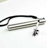 weiße magnethaken großhandel-Runde Mond-Form-helle Aluminiumlegierung Mini-XML Cree führte Fackel-hohe Leistung geführtes keychain mit beweglichem Endstück