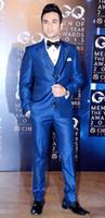 glänzender königlicher blauer anzug großhandel-Brandneue Groomsmen Shiny Royal Blue Bräutigam Smoking Peak Revers Männer Anzüge Hochzeit Best Man Bräutigam (Jacke + Pants + Weste + Fliege) L37
