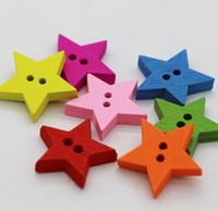 boutons d'étoiles en bois achat en gros de-100 pcs 18 * 18mm Assortiment Couleurs Bande Dessinée Étoile En Bois Boutons Avec Trou Pour L'artisanat À Coudre Scrapbooking Accessoire