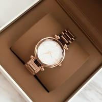vestido de marca de estilo de dama al por mayor-2017 mujeres de la manera de lujo reloj de pulsera de cuarzo rosa / plata / negro reloj pulsera estilo especial Lady Brand Wristatch alta calidad