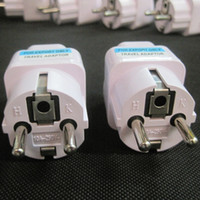 pin adaptador de ca al por mayor-100 Unids / lote Universal 2 Pin AC Power Adaptador de Enchufe Eléctrico Convertidor de Viaje Cargador de Energía UK / US / AU Al Adaptador de Enchufe de la UE