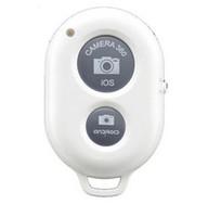 temporizador controlado por bluetooth al por mayor-El obturador remoto Bluetooth inalámbrico Hot 2019 controla el disparador automático de la cámara Buen Shutte para teléfono inteligente IOS a Samsung HTC LG y