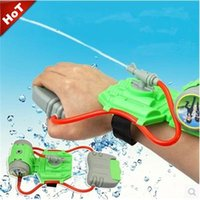 Wholesale New Hand Held Water Spray Gun Wrist Summer Ice Beach Water Gun War Toys for Children