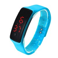спортивные часы с наручным браслетом оптовых-2015 Спорт прямоугольник светодиодный цифровой дисплей экран часы резиновый пояс силиконовые браслеты наручные часы мода Мужчины Женщины конфеты наручные часы
