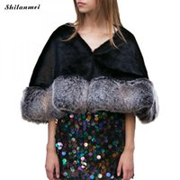 Inverno Donna Maglione Spliced ​​Nero Shrug Faux Fur Coat Mezza Manica Allentata Con scollo a V Grigio Thermal Women Sweater Cloak Silver Poncho
