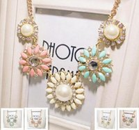 Wholesale Crystal Necklace Sale Online - Hot sale Choker necklaces Retro fashion Daisy Flower Pearl Choker Statement Necklaces for women Fashion Jewelry wholesale online - 0243WH