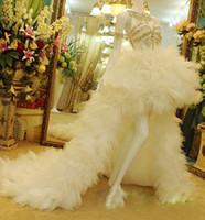 elfenbein faltete rüschen hochzeitskleid großhandel-Real Sample Luxus Elfenbein Plissee Strass Mit Blumen High Low Sommer Feder Flauschige Brautkleider mit Rüschen 2016 Neue Trend