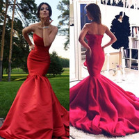 2018 Charme Rouge Sirène Robes De Soirée Vestidos Sweetheart Ruffle Ruché Backless Tribunal Train Sexy De Bal Robe Pour Garden Party Porter BA3642