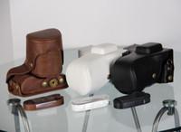 bräunende digitalkamera großhandel-Freies Verschiffen schützende PU-lederne Falltasche für Samsung NX300 Digitalkamera mit Bügel Schwarz / Braun / Weiß für Ihr wählen