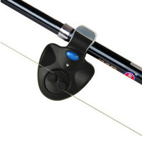 alarma de mordedura de pescado led al por mayor-Alarma de mordedura de pesca LED al aire libre Clip de luz Caña de pescar Alarma de mordedura electrónica Batería de timbre de pescado Batería Campana de pesca Accesorios