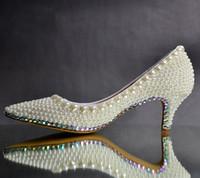 zapatos de baile de boda de marfil al por mayor-Lujoso elegante de marfil de la perla del banquete de boda zapatos de baile zapatos nupciales del dedo del pie puntiagudo zapatos de tacón de gatito mujer señora zapatos de vestir