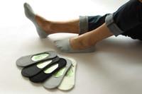 ingrosso calzini di caviglia degli uomini di bambù-All'ingrosso- Uomo di bambù invisibile calzini uomo estate casual mocassini fannullone No Show calzini maschio nero bianco calzini barca 10pcs = 5 paia / lotto