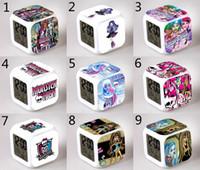 uhr nacht led-design großhandel-39 Design Kinder Monster High Clock 2015 neue schöne LED-Muster Cartoon Monster High Night bunt leuchtende Spielzeug B001