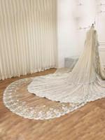 uzun katedral uzunluğu gelinlik toptan satış-Lüks Aplike Düğün Veils Bir Katman Tül 3 Metre Uzun Katedrali Uzunluğu Düğün Peçe Elbiseler Için Ucuz Gelin Aksesuarları