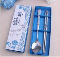 utensílios de mesa branco azul venda por atacado-Wholesale100 conjuntos / lote utensílios de mesa de aço inoxidável Azul Branco Porcelana colher pauzinho conjuntos de Presentes de Retorno de Casamento para o Convidado