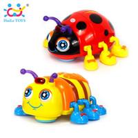 kinderspielzeug lichter großhandel-Huile Toys 82721 Baby Spielzeug Infant Crawl Beetle Elektrisches Spielzeug Biene Marienkäfer Mit Musik Licht Lernspielzeug Für Kinder Weihnachtsgeschenke