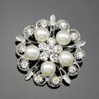 Wholesale Man Made Opal - Korean high-grade diamond brooch diamond flower brooch pearl manufacturers, wholesale fashion clothing for men and women made