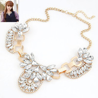 2015 Hot Gold Plated Flower Choker Necklace Elegant Brand Designer Gargantilha Collier Necklace Statement Bib Necklace For Women