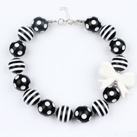 Wholesale kids chunky beads necklace resale online - 2016 Baby Girls black white Beads Necklace kids girl Bubblegum Toddler Jewelry Necklace chunky Princess Necklace jewelry free ship