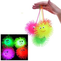 Ilumina La Bola Sensorial Baratos-Light-Up Stress Balls Sensorial LED parpadeante Bumpy Puffer Ball Toys Magic Ball Niños Juguete de la diversión de los niños