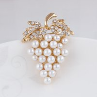 Wholesale Crystal Grapes Wholesalers - Gold Plated Vintage Fashion Bunch Of Pearl Grape Pins Brooches With Diamante 03