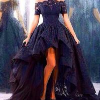 merhaba düşük balo elbiseleri kabarık toptan satış-2019 Siyah Dantel Abiye Kabarık Dantel Muhteşem Balo Kapalı Omuz Kısa Kollu Yüksek Düşük Hi-Lo Balo Abiye