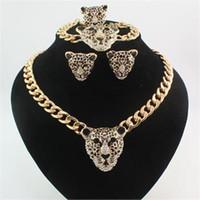 siyah elmas saplı kolye küpe seti toptan satış-Sıcak Moda 18 K Altın Kaplama Rhinestone Siyah Emaye Leopar Başkanı Kolye Bilezik Yüzük Küpe Takı Setleri