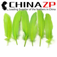 Wholesale Wholesale Christmas Lawn Decorations - Leading Supplier CHINAZP Crafts Factory 10~15cm(4~6inch) Top Quality Dyed Lawn Green Loose Goose Wing Feathers for Christmas Decorations