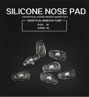 coussinets pour lunettes achat en gros de-plaquette nasale en silicone, partie de lunettes plaquette nasale des lunettes 500pcs à vis dans le shippig gratuit pour magasin de lunettes