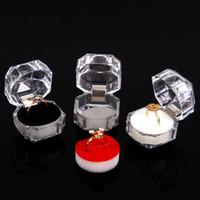 caja de anillo de joyería de plástico transparente al por mayor-Venta al por mayor 40 Clear View Plastic Ring Display Case Joyero Blanco / Negro / Rosa Acolchado