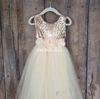 çiçek kız payet üst elbiseler toptan satış-Sweety 2019 Bir çizgi Çiçek Kız Elbise Jewel kolsuz Gül Altın Sequins En Tül Katmanlı Etekler Kat-uzunluk Custom Made Communion Elbise