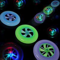 moscas conduzidas girando venda por atacado-Nova Speical Moda Colorida Rotação Quente LEVOU Luz Magia Brinquedo Ao Ar Livre Disco Voador Disco Voador Frisbee UFO Kid Toy