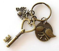 Livraison gratuite Bijoux Fashion New 10pcs Love Birds Owl Retro Key Antique Bronze Porte-clé Porte-clé S3365