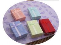 mode-displays großhandel-5 * 8 * 2.5cm 10 Farbenart und weiseanzeigeverpackengeschenkboxschmucksachekasten, hängender Kasten, zufällige Farbe 48pcs / lot der Ohrringkasten