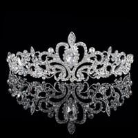 boncuklu saç tiaraları toptan satış-Shining Boncuklu Kristaller Düğün Taçlar 2019 Gelin Kristal Peçe Tiara Taç Kafa Saç Aksesuarları Parti Düğün Tiara ücretsiz kargo