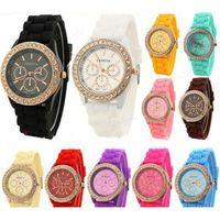 женские наручные часы силиконовой жены оптовых-Новая Мода Женевские Часы Старинные Золотые Кварцевые Часы Кристалл Rhinestone Часы Силиконовый Ремешок Наручные Часы Для Медсестер