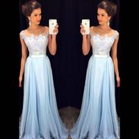 mavi şifon gece elbisesi toptan satış-2018 Zarif Işık Sky Blue Gelinlik Modelleri Sheer Boyun Cap Kollu Aplike Şifon Kat Uzunluk Örgün Elbiseler Mütevazı Akşam Törenlerinde Fermuar Up