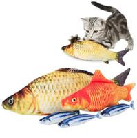 brinquedo do gato da pesca venda por atacado-Simulação de Pelúcia Gato Peixe Brinquedos 18 cm Engraçado Peixe Gato Travesseiro Brinquedo de Pelúcia Gato Peixe de Algodão Brinquedo de Estimação OOA2881