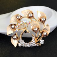 Wholesale White Peacock Bird - Rhinstone Peacock Brooches Pins Matte Silver Bird Corsages Scarf Clips Women Dress Suit Crystal Brooch Christmas Gift 170698