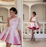 fe81b43bd67 2017 Дешевые платья для коктейлей One Shoulder Самые новые атласные  кружевные аппликации Line Short Homecoming Dress Prom Party Gowns Baby Pink
