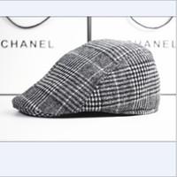 boinas al por mayor-2016Wholesale-Winter and Fall Men Elegante Vintage Checker Woolen Berets Hat Gorra de pico,