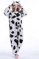 yetişkin inek pijama toptan satış-Stok 2018 Inek Sıcak Kigurumi Pijama Hayvan Suits Cosplay Cadılar Bayramı Kostüm Yetişkin Konfeksiyon Karikatür Tulumlar Unisex Hayvan Pijama