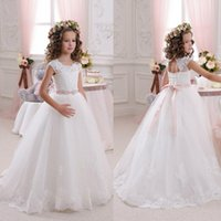 Wholesale Backless Dresses For Flower Girls - Beautiful Lace Backless Flower Girls Dresses For Weddings Scoop Sleeveless First Communion Dress Floor Length Princess Gowns With Sash