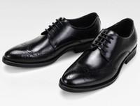 hombre tallar zapatos al por mayor-Zapatos de vestir de cuero de lujo para hombres Agujeros transpirables cuero de vaca encerado Brock Talla Moda europea Lo mejor para garantizar la mejor calidad