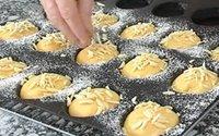 pãezinhos venda por atacado-Dia das bruxas Silicone 4 Polegada Bolo Assadeira 15 Pães Não-Palito Molde Perfurado Rodada Sanduíche Rolo De Pão Muffin Pastelaria Torta Torta