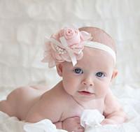ingrosso la fascia del fiore del copricapo della perla di rosa-10pcs alla moda bambino chiffon perla in rilievo fascia per bambini rosa raso arco copricapo fiore neonati hairband bambini usura della testa fotografia prop