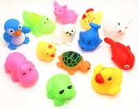 ingrosso bambole di gomma per bambino-200pcs Baby Bath Toys Bambole galleggianti sull'acqua Animal Cartoon Yellow Ducks Starfish Bambini Swiming Beach Rubber Toy Regali per bambini
