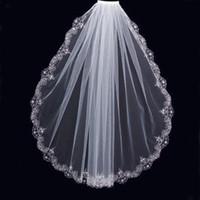 dantel manto tarağı toptan satış-Büyüleyici Beyaz Fildişi Kısa Veils Lüks Düğün Boncuklu Dantel Trim Tek Katmanlı Tarak ile Ucuz Yüksek Kalite Gelin Mantilla Tül