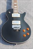e-gitarre schwarzer tremolo großhandel-Gitarren Kundenspezifische schwarze Standard E-Gitarre mit Tremolo-System Hochwertige Gitarren Freies Verschiffen